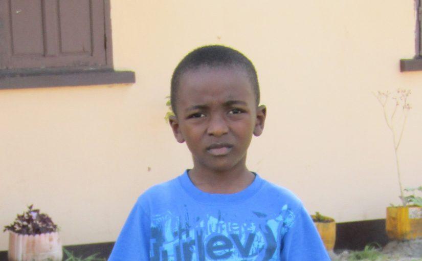 Mickaël – 7 ans (G) – Madagascar – Tamatave